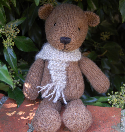 Our handsome Castlemilk bear has a more traditional look