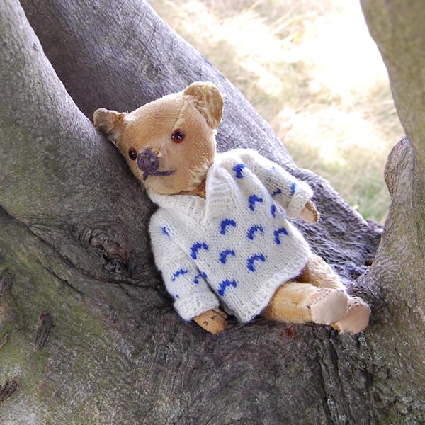 Little Jeremy, a vintage teddy bear dating to 1930