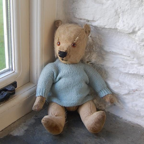 Sweet little old 1930s Chiltern teddy bear with heaps of character