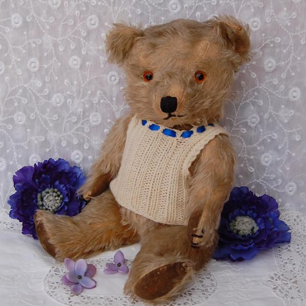 1940s Chiltern teddy bear in wonderful condition