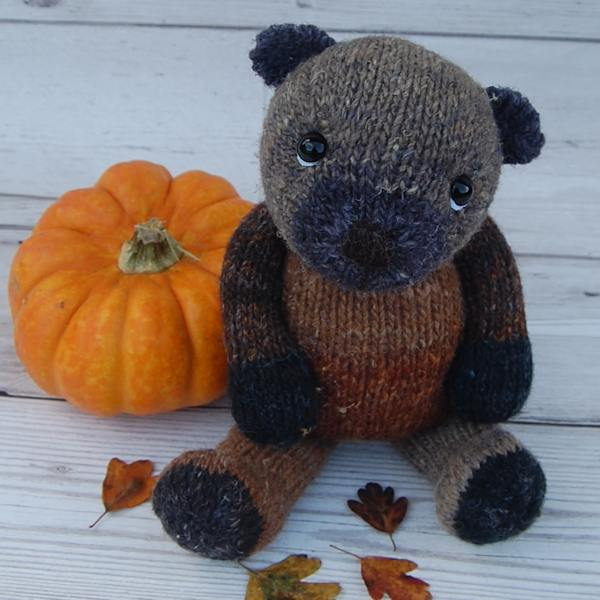 The very cute Hazelnut has been inspired by the beautiful autumnal colours of the countryside and knitted from our hand dyed wool