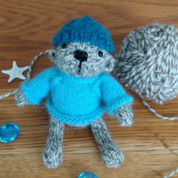 Shetland wool pocket size teddy bear