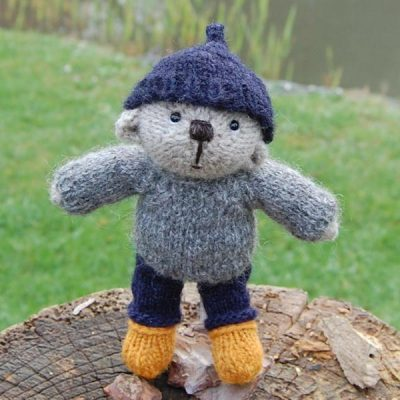 Gwillym a hand made teddy bear knitted from Southdown hand spun wool