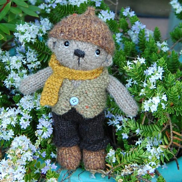 The very cute Ernest hand knitted from Manx Loaghtan rare breed wool and measuring just 5.5 inches!