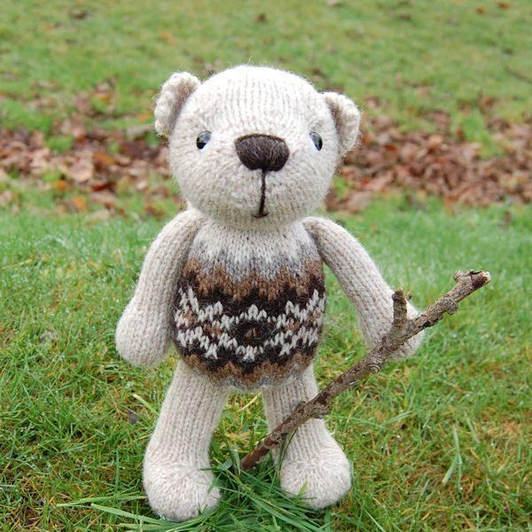 Finley, a little bear proud of his Fair Isle tummy!