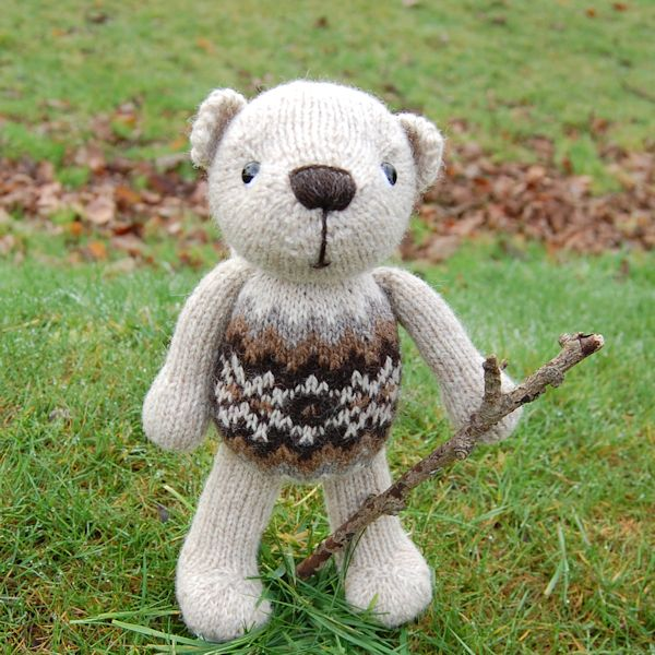 Finley, a little bear proud of his Fair Isle tummy!